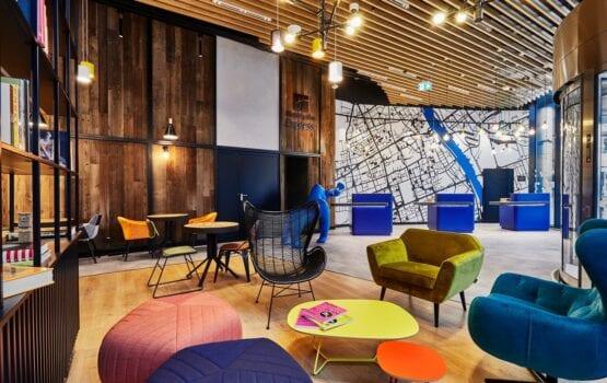 Holiday Inn Express w Warszawie – eklektyzm, kolor i local touch
