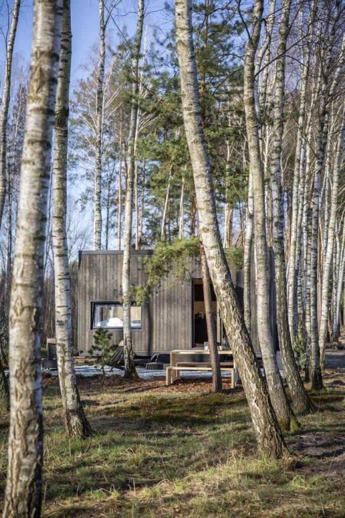 Wyjątkowy dom letniskowy stojący w lesie