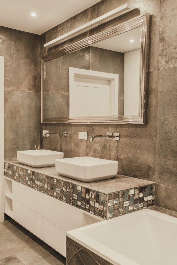 110-metrowe spersonalizowane mieszkanie od pracowni Projektyw - łazienka w beżowych kolorach