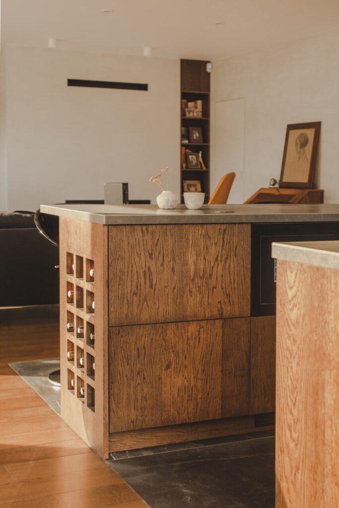 110-metrowe spersonalizowane mieszkanie od pracowni Projektyw - wyspa kuchenna