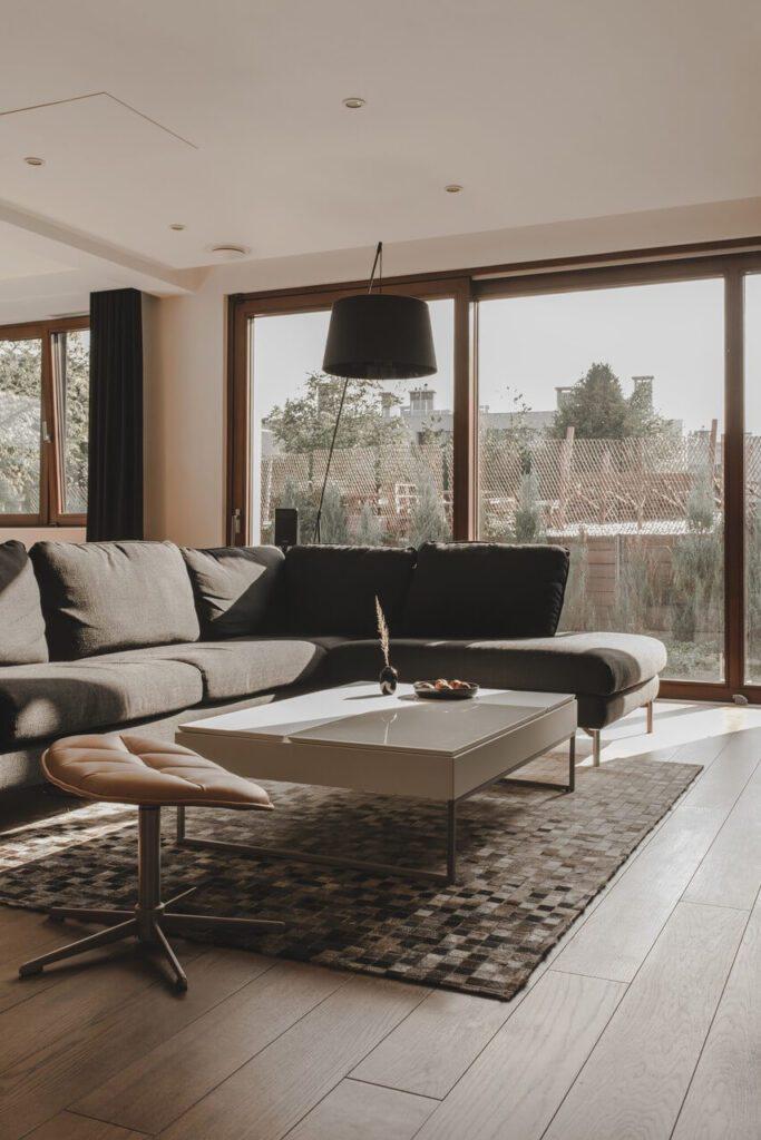 110-metrowe spersonalizowane mieszkanie od pracowni Projektyw - salon z pięknym widokiem