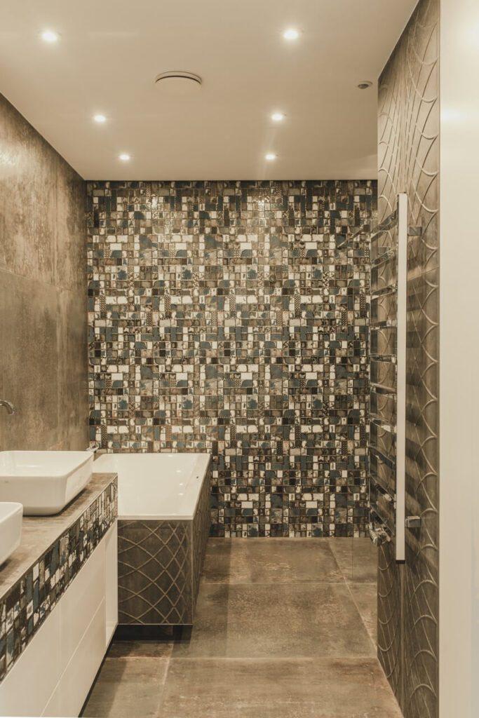 110-metrowe spersonalizowane mieszkanie od pracowni Projektyw - beżowa łazienka