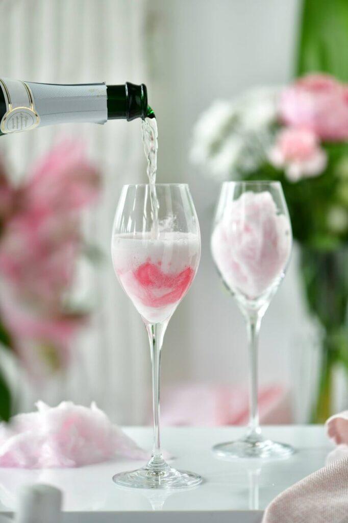Dekorujemy stół na romantyczne spotkanie - porady od Krosno Glass