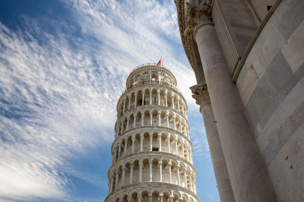 Krzywa wieża w Pizie - historia i ciekawostki - foto Daria Andraczko - Unsplash