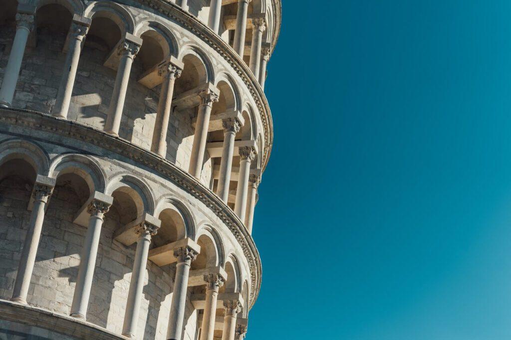 Krzywa wieża w Pizie - historia i ciekawostki - foto Goh Rhy Yan - Unsplash