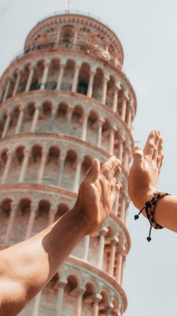 Krzywa wieża w Pizie - historia i ciekawostki - foto Mathias Bach Laursen - Unsplash