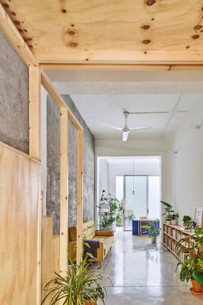 Elastyczne mieszkanie projektu BURR Studio - foto José Hevia