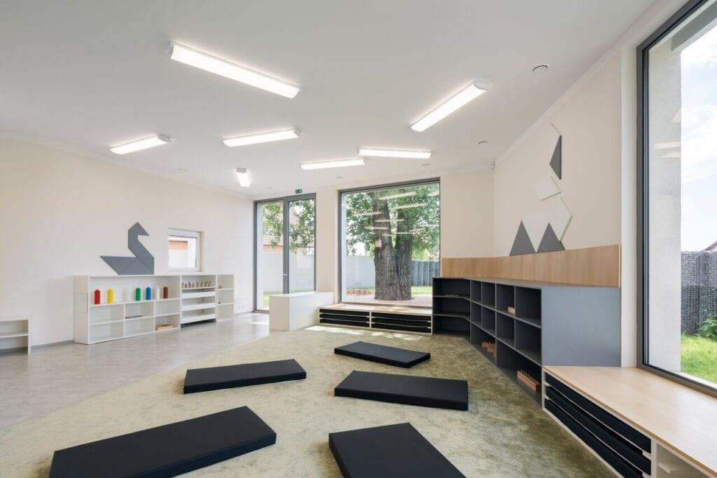 Przedszkole w czeskich Klecanach projektu pracowni No Architects - foto Studio Flusser
