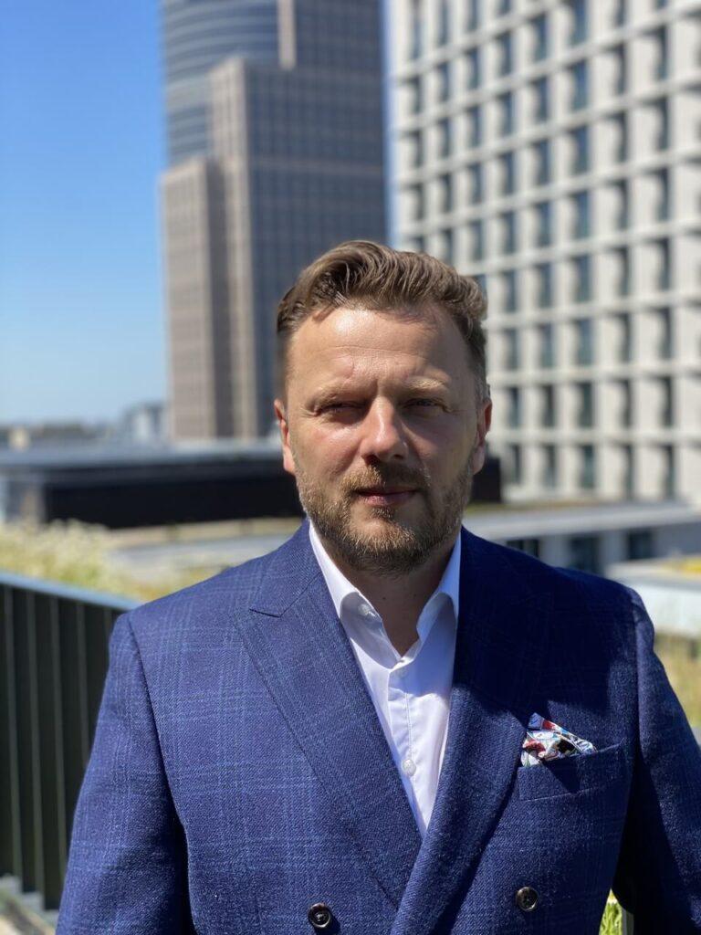 Daniel Ochońko - Trust Us