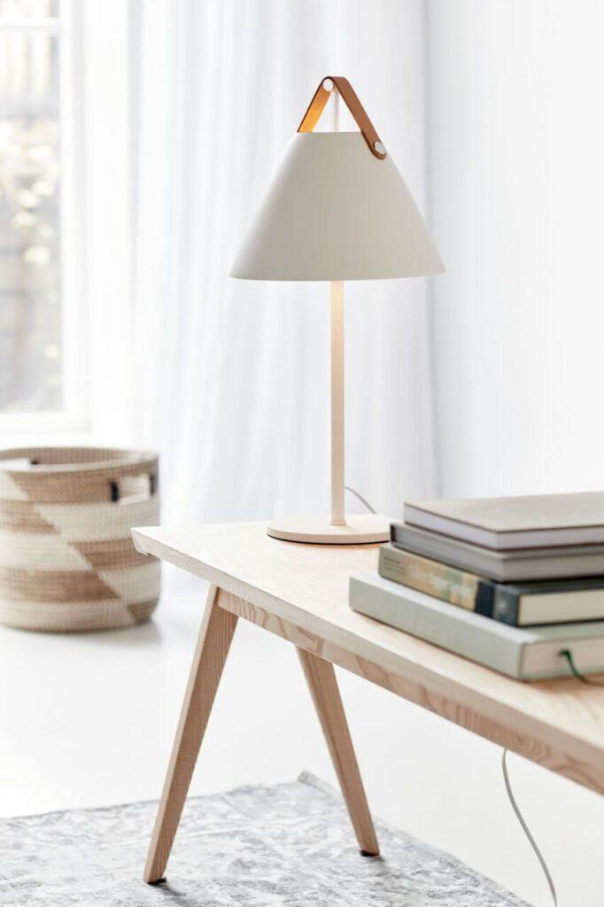 Lampy stołowe marki DFTP - Strap