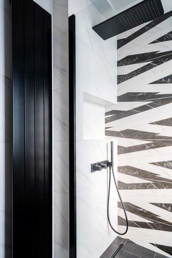 Biała łazienka w projekcie KODO