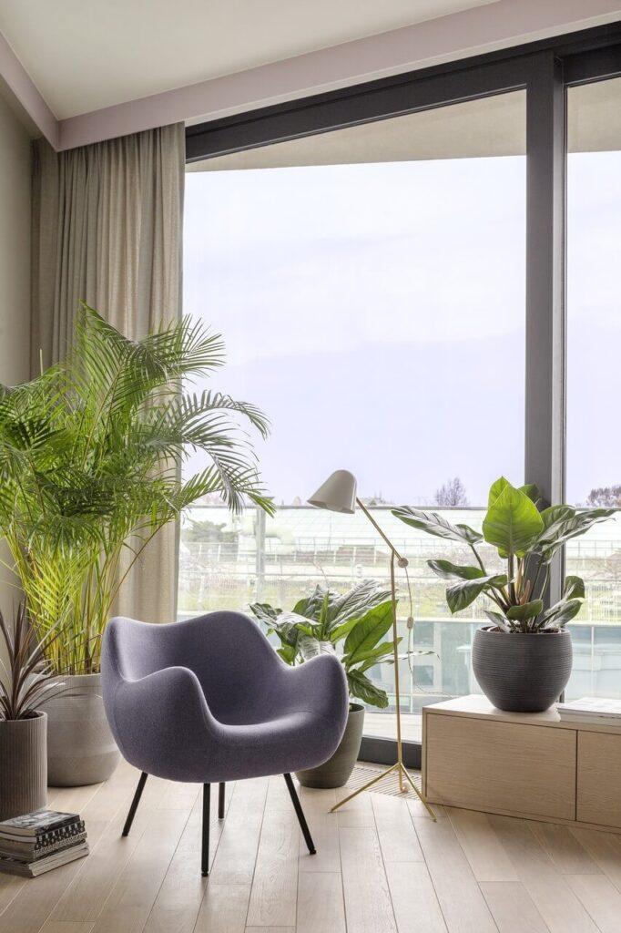 Apartament na warszawskim Powiślu z widokiem na ogród - projekt Modeko.Studio - foto Marcin Grabowiecki