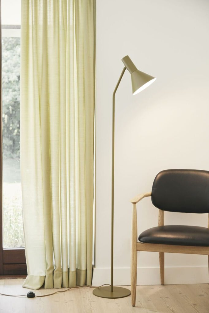Lampa podłogowa Lyss Frandsen