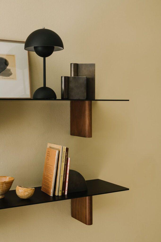 Lampa stołowa Flowerpot AndTradition