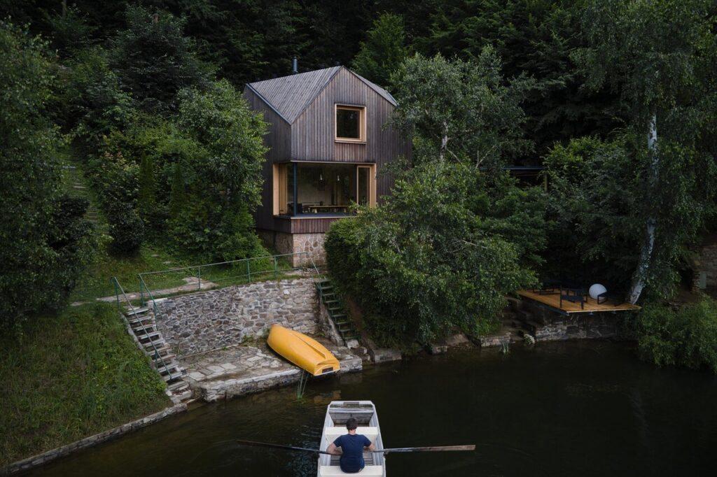 Domek w stylu marynistycznym projektu Prodesi/Domesi - foto BoysPlayNice