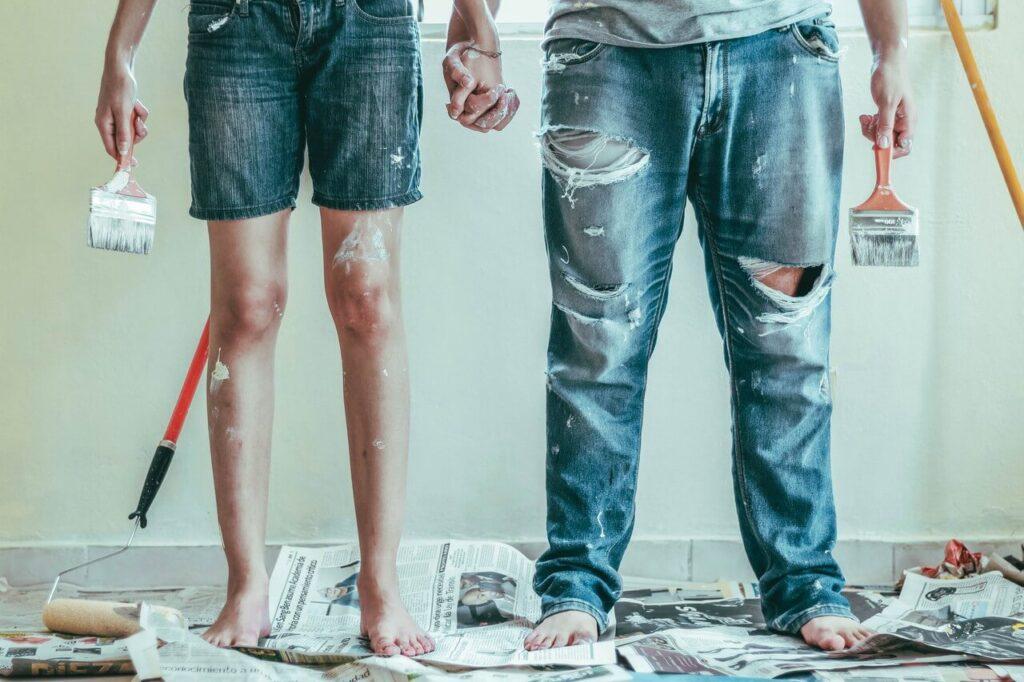 Jak malować ściany - porady i inspiracje w 7 krokach - Roselyn Tirado - Unsplash